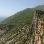 2014. Pe coasta versantului care adăpostește grota sfântului Athanasie, la întâlnire cu icoana Maicii Domnului la care s-a rugat sfânta Maria Egipteanca
