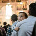 Ne deranjează copiii în biserică ?